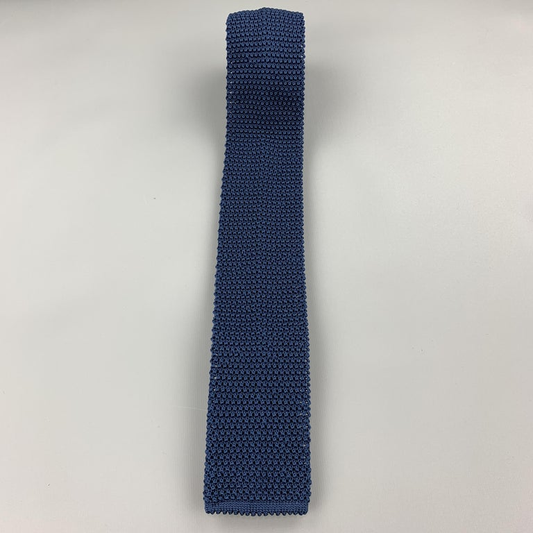 CHARVET Navy Silk Textured Knitted Tie In Excellent Condition For Sale In San Francisco, CA
