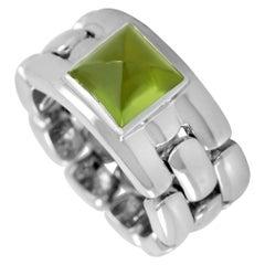 Chaumet 18 Karat White Gold Peridot Soft Shank Ring