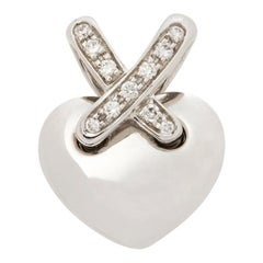 Chaumet 18 Karat White Gold Round Brilliant Cut Diamond Liens Heart Pendant