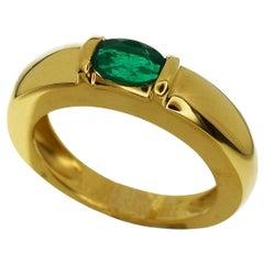 Chaumet 18 Karat Yellow Gold Anneau Emerald Ring