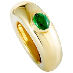 Chaumet 18 Karat Yellow Gold Emerald Ring