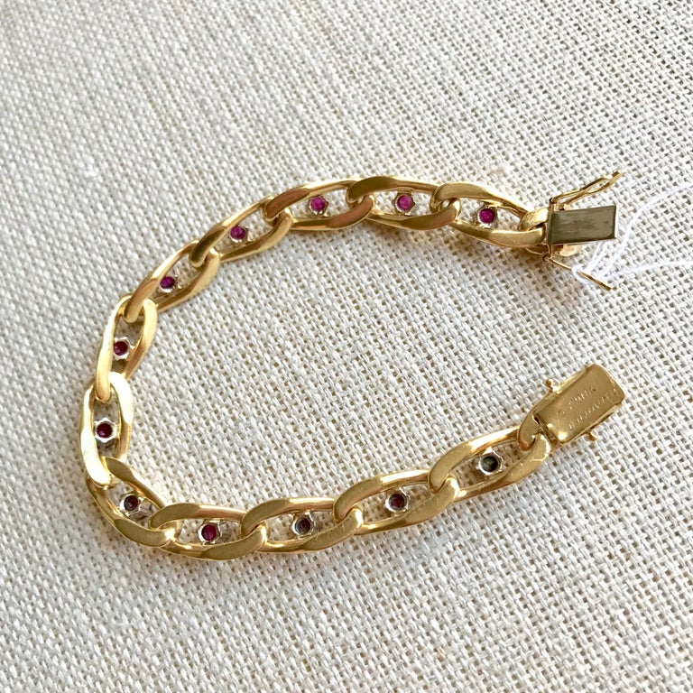 Chaumet 18 Karat Yellow Gold and Ruby Bracelet For Sale 6
