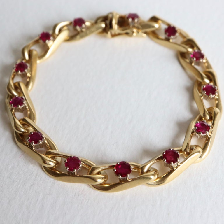 Chaumet 18 Karat Yellow Gold and Ruby Bracelet For Sale 3