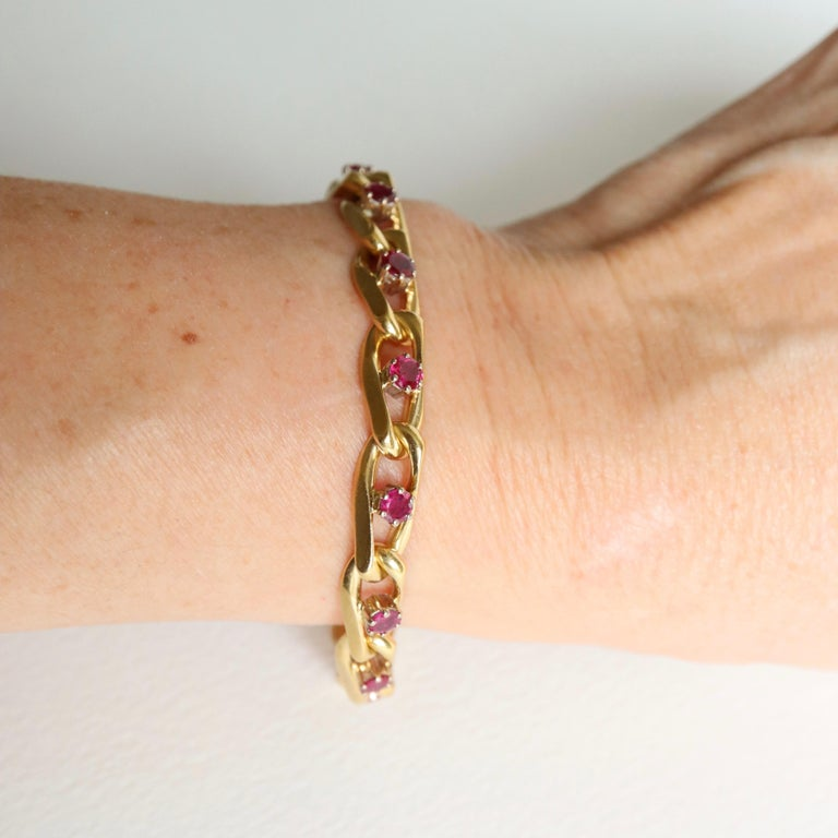 Chaumet 18 Karat Yellow Gold and Ruby Bracelet For Sale 4