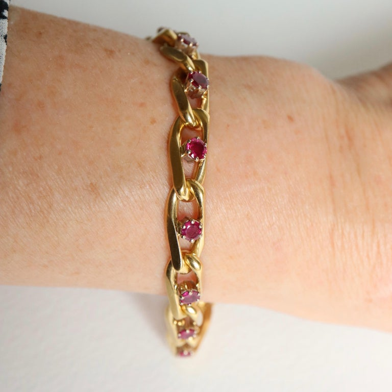 Chaumet 18 Karat Yellow Gold and Ruby Bracelet For Sale 5
