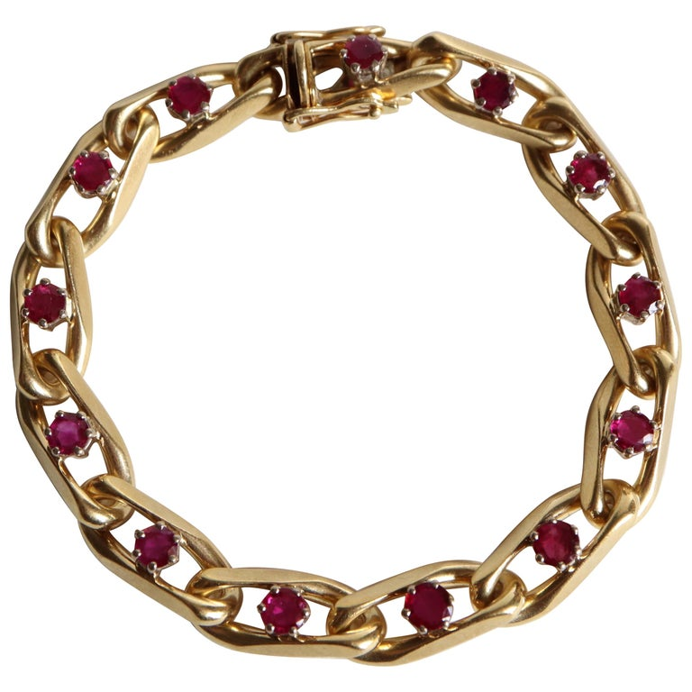 Chaumet 18 Karat Yellow Gold and Ruby Bracelet For Sale