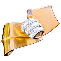 Chaumet Diamond Brooch 5.2 Carat 18 Karat Yellow Gold