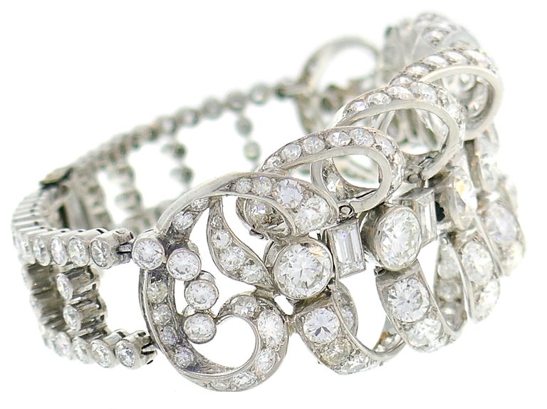 Chaumet Diamond Platinum Bracelet, 1930s, French In Excellent Condition For Sale In Beverly Hills, CA