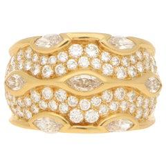Chaumet Paris Diamond Bombe Ring Set in 18k Yellow Gold
