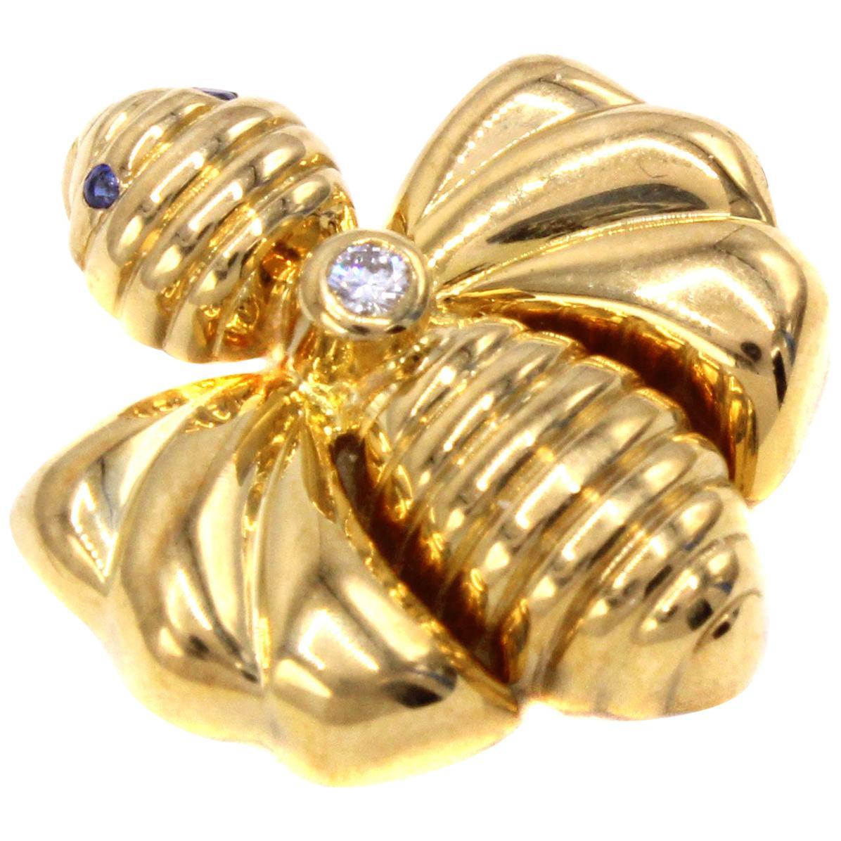 Chaumet Paris Diamond Sapphire 18 Karat Gold Bumble Bee Pendant