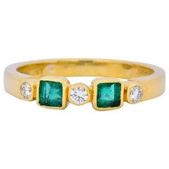 Chaumet Paris Emerald Diamond 18 Karat Gold Stacking Ring