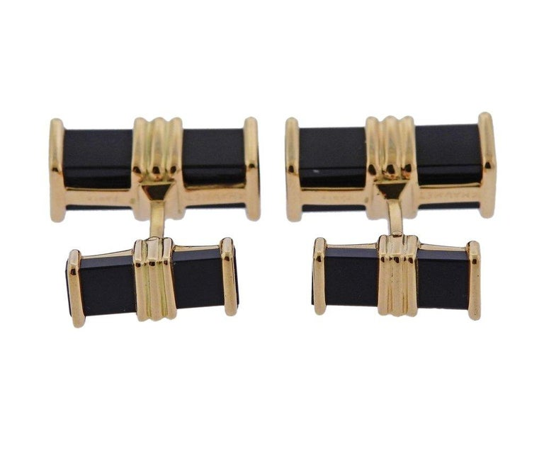 Chaumet Paris Onyx Gold Cufflinks In Excellent Condition For Sale In Boca Raton, FL