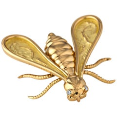 Chaumet Paris Vintage Diamond Gold Bee Brooch