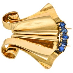 Chaumet Retro 1.25 Carat Sapphire 18 Karat Rose Gold French Clip Brooch