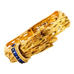Chaumet Vintage 18 Karat Yellow Gold Diamond and Sapphire Bracelet