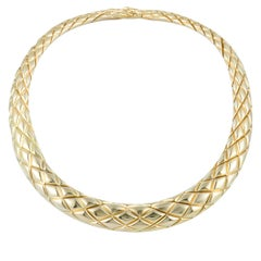 Chaumet 18K Yellow Gold Thombuses Pattern Necklace