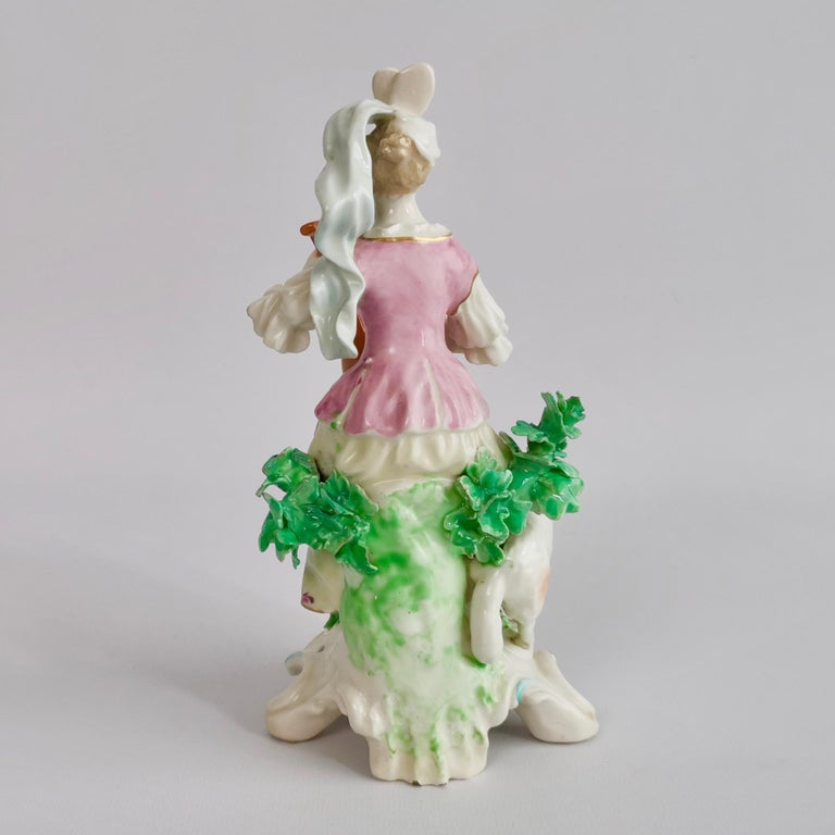 Chelsea-Derby Porcelain Figure of Lady with Lute, 18th Century, circa 1770 In Good Condition For Sale In London, GB