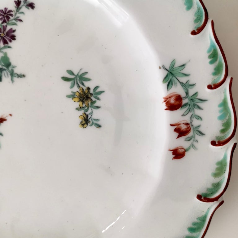 Chelsea Porcelain Plate, Hand Painted Flowers, Red Anchor, 18th Century In Good Condition For Sale In London, GB