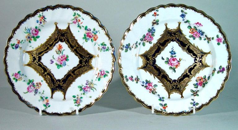 Chelsea Porcelain Set of Six Botanical Dessert Plates, 18th Century For Sale 3