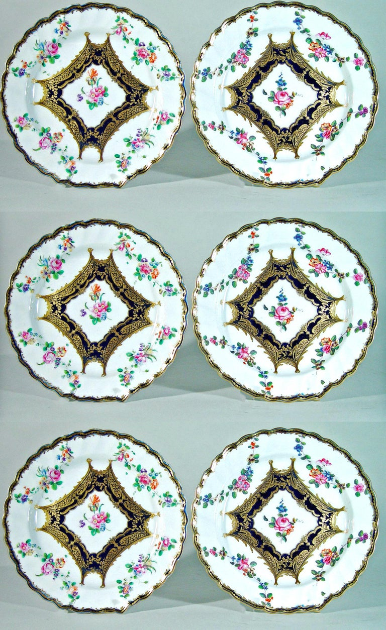 Chelsea Porcelain Set of Six Botanical Dessert Plates, 18th Century For Sale 4