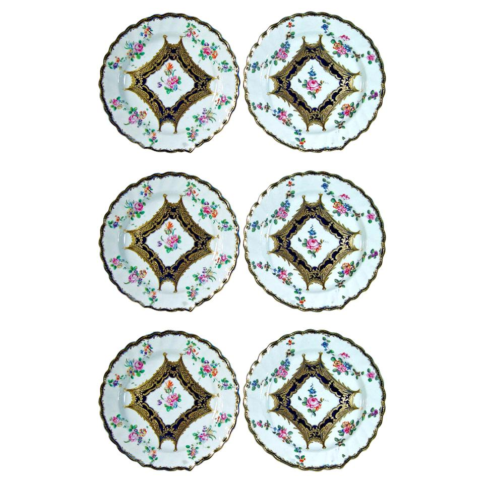 Chelsea Porcelain Set of Six Botanical Dessert Plates, 18th Century