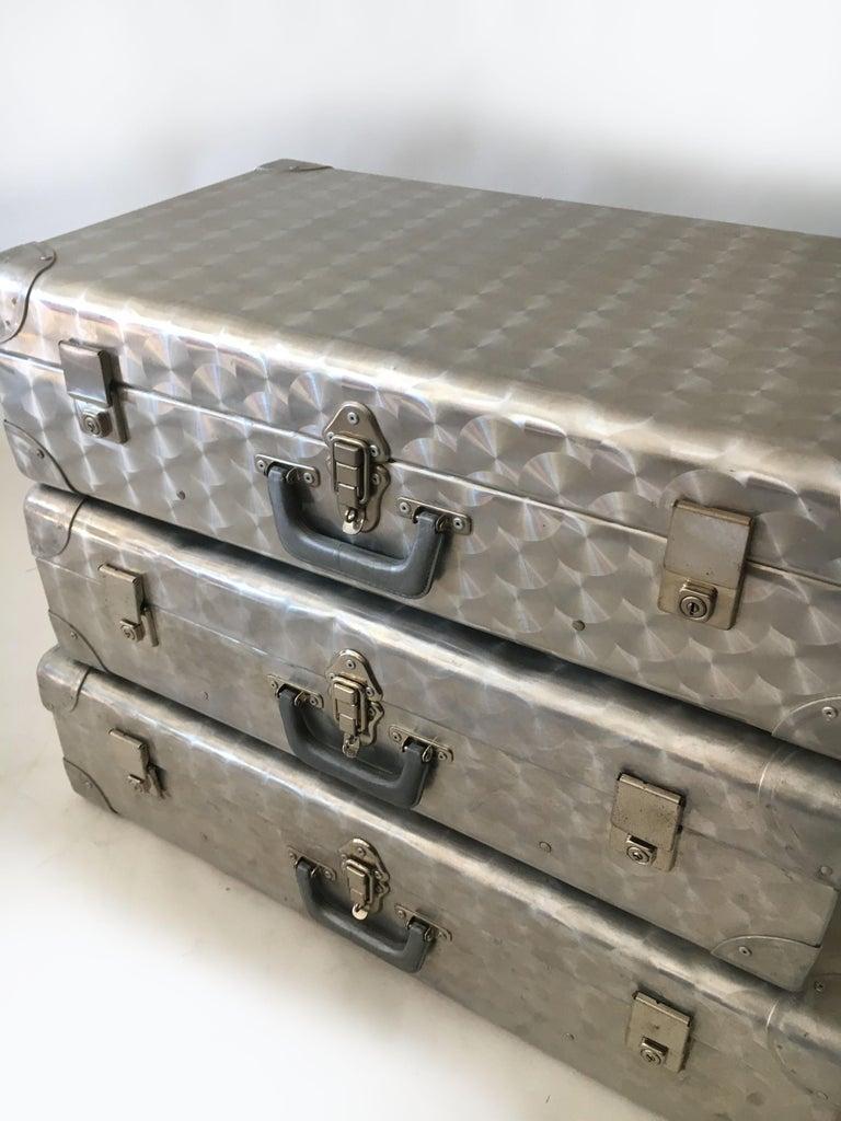 Cheney London Aluminum Suitcase Luggage, Set of Three, England, 1960s For Sale 9