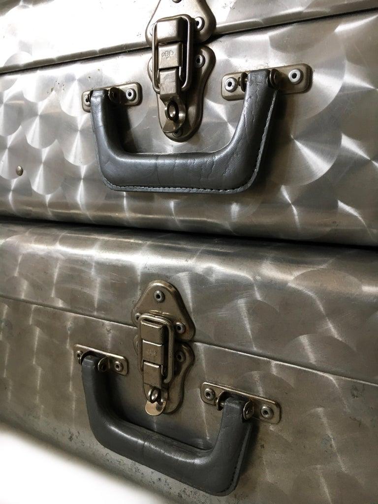 Cheney London Aluminum Suitcase Luggage, Set of Three, England, 1960s For Sale 10
