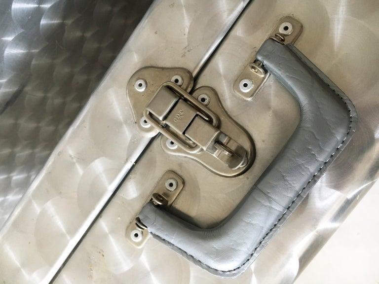 Cheney London Aluminum Suitcase Luggage, Set of Three, England, 1960s For Sale 11