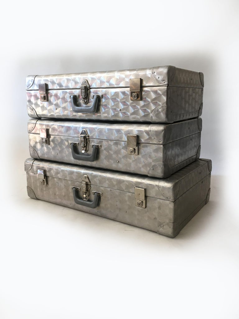 Cheney London Aluminum Suitcase Luggage, Set of Three, England, 1960s In Good Condition For Sale In Vienna, AT