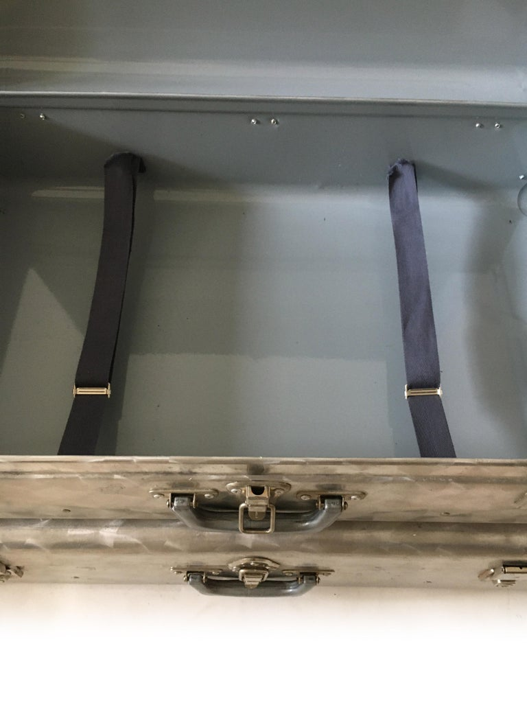 Cheney, London Aluminum Suitcase Luggage, Set of Two, England, 1960s For Sale 3