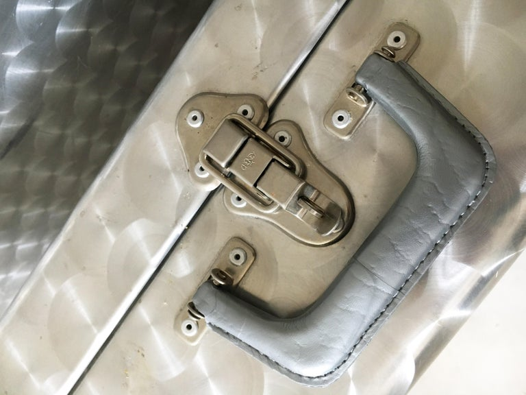 Cheney, London Aluminum Suitcase Luggage, Set of Two, England, 1960s For Sale 6