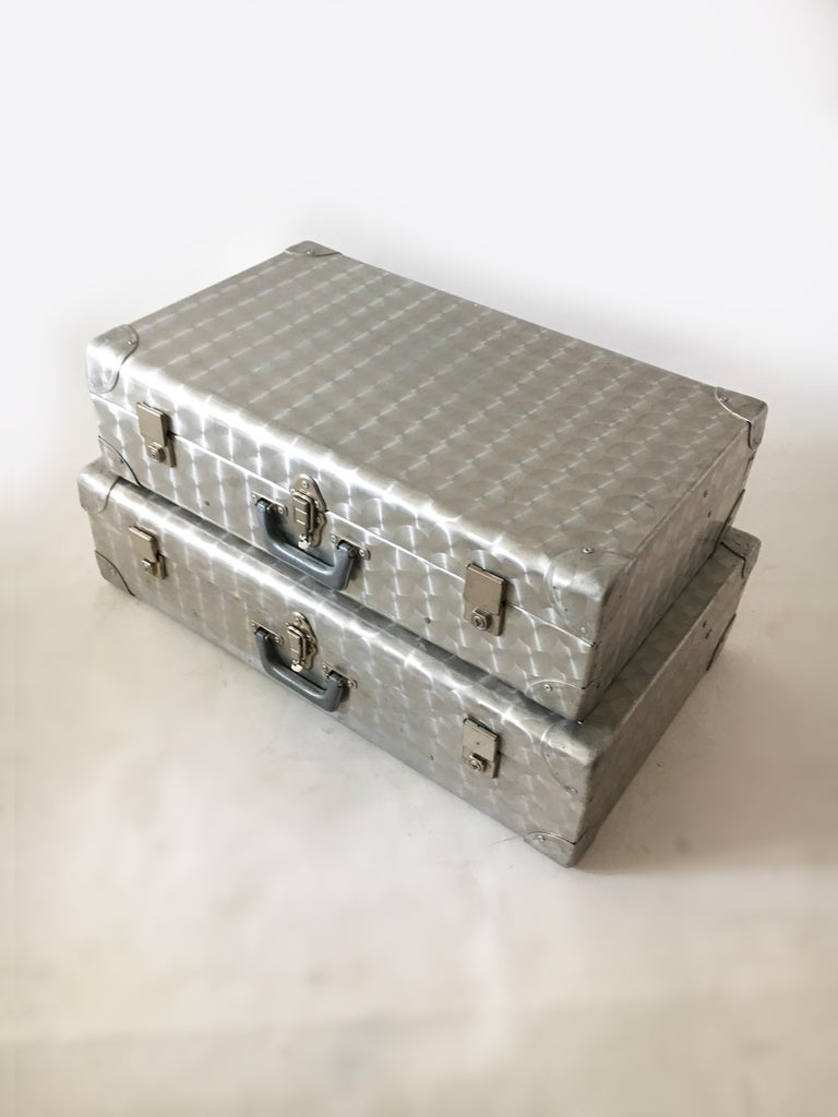 Mid-Century Modern Cheney, London Aluminum Suitcase Luggage, Set of Two, England, 1960s For Sale