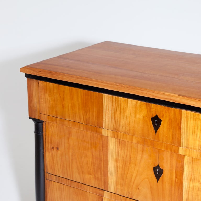 Cherry Biedermeier Chest of Drawers, Southern Germany, circa 1820 For Sale 2