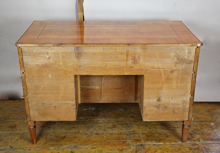 Cherry Wood Writing Desk with Kneehole Late 18th Century, Austria, circa 1790 For Sale 10