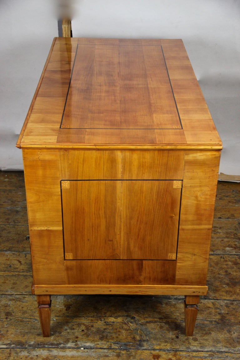 Cherry Wood Writing Desk with Kneehole Late 18th Century, Austria, circa 1790 For Sale 11