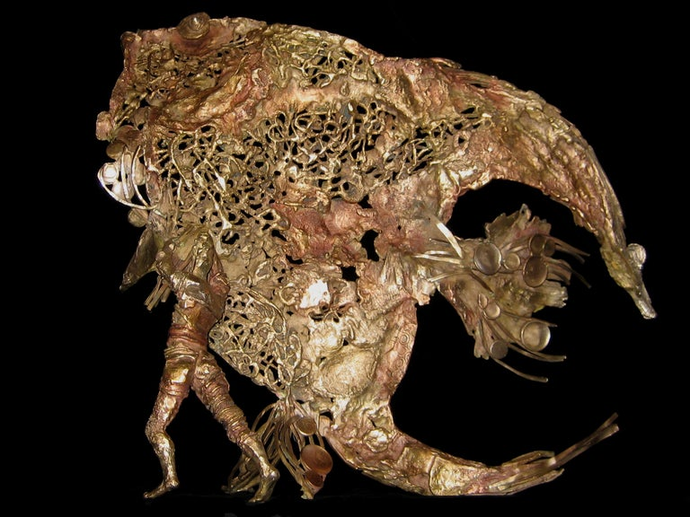 Magic, Austral Fish - Bronze Sealife Sculpture - Gold Figurative Sculpture by Chésade