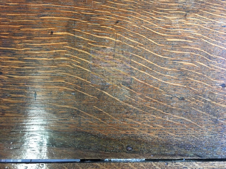 Chest of Drawers, 17th Century, English, Charles II, Oak, Geometric Moulding In Good Condition For Sale In Eversholt, Bedfordshire