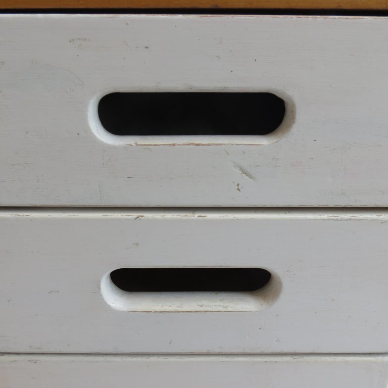 Chest of Drawers by James Leonard for Esavian ESA White 1 In Good Condition For Sale In Stow on the Wold, GB