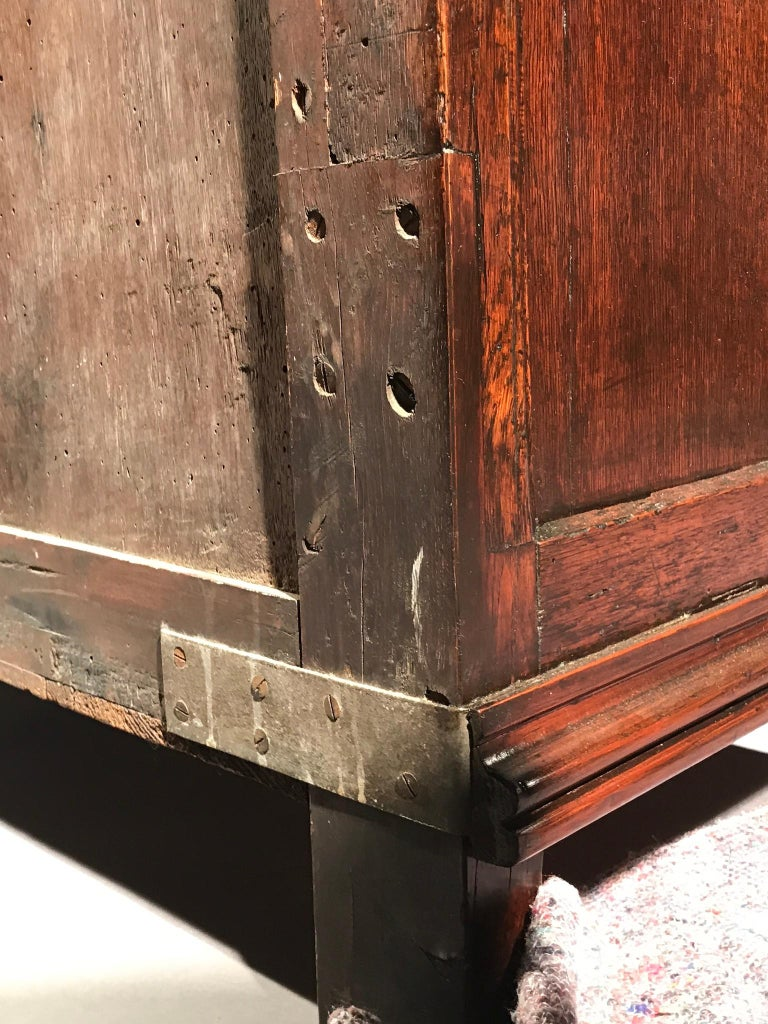 Chest of Drawers Chest Commode Architectural Facade Enclosed Renaissance Cedar For Sale 10