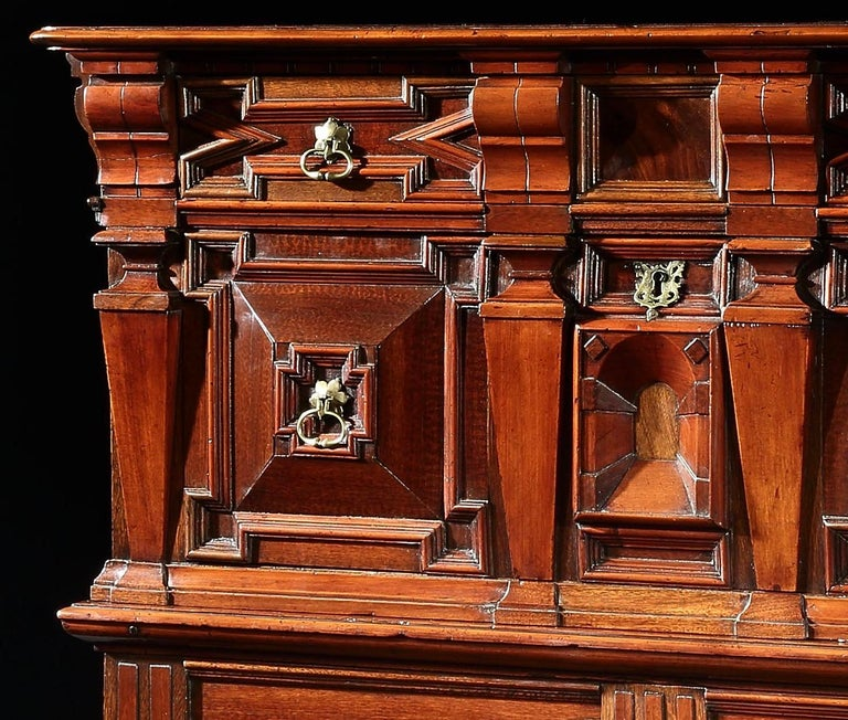Chest of Drawers Chest Commode Architectural Facade Enclosed Renaissance Cedar In Good Condition For Sale In Eversholt, Bedfordshire