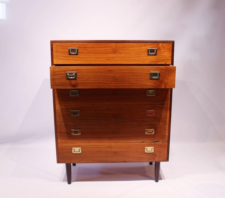 Chest of drawers in rosewood by the furniture factory, Reoval, of Danish design from the 1960s. The chest is in great vintage condition.