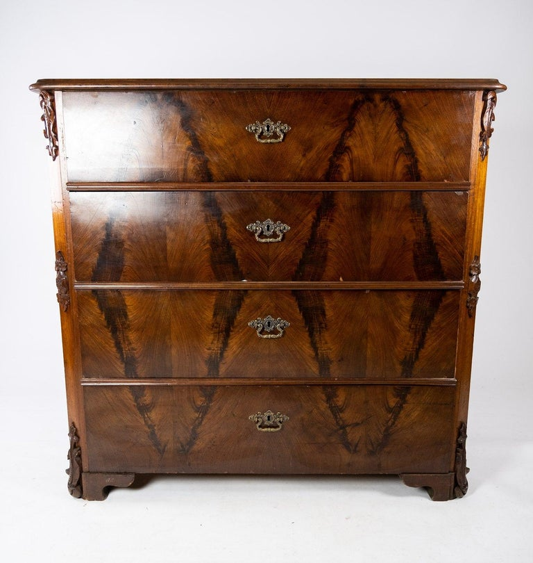 Chest of drawers of mahogany, in great antique condition from the 1860s.