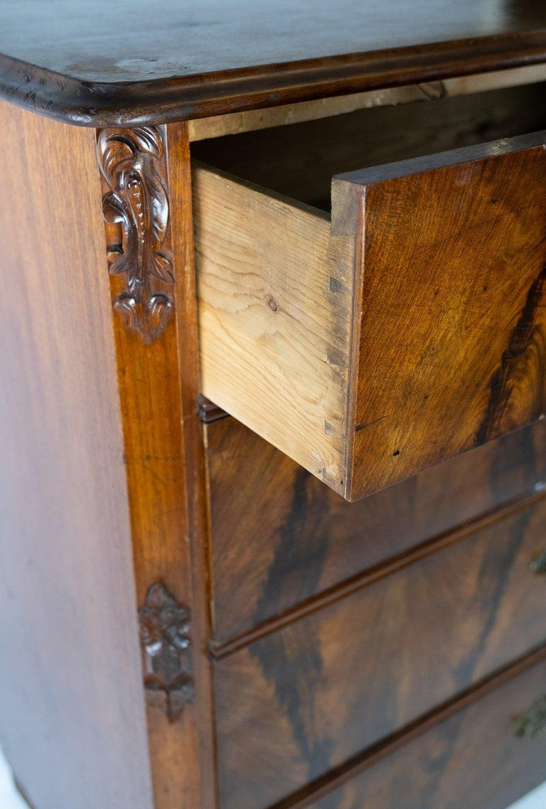 Chest of Drawers of Mahogany, in Great Antique Condition from the 1860s In Good Condition For Sale In Lejre, DK