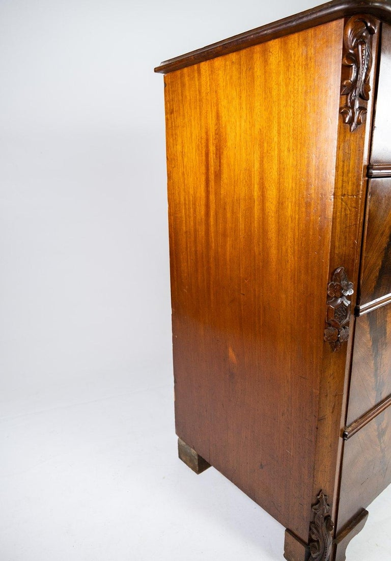 Chest of Drawers of Mahogany, in Great Antique Condition from the 1860s For Sale 3