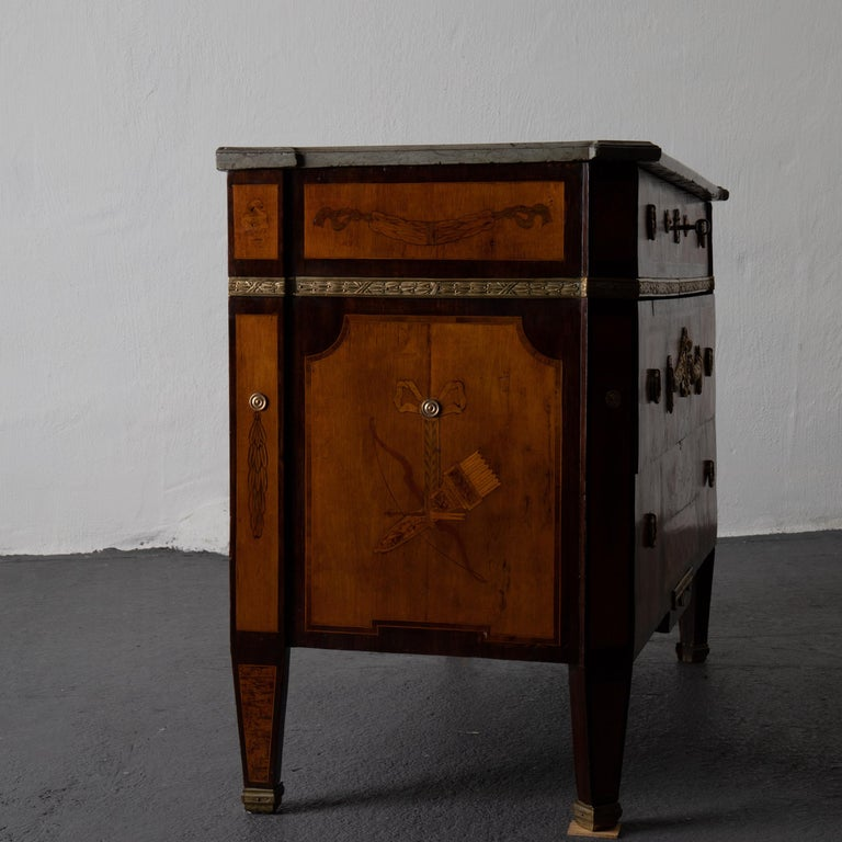 Wood Chest of Drawers Signed by Gustaf Furlow Swedish Gustavian, 1780-1800, Sweden For Sale