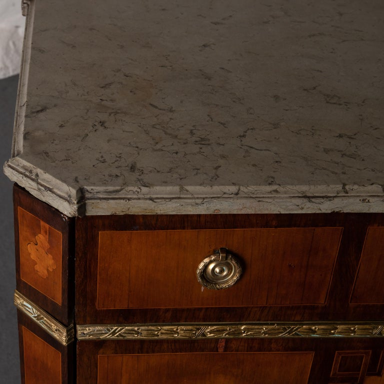 Chest of Drawers Signed by Gustaf Furlow Swedish Gustavian, 1780-1800, Sweden For Sale 2