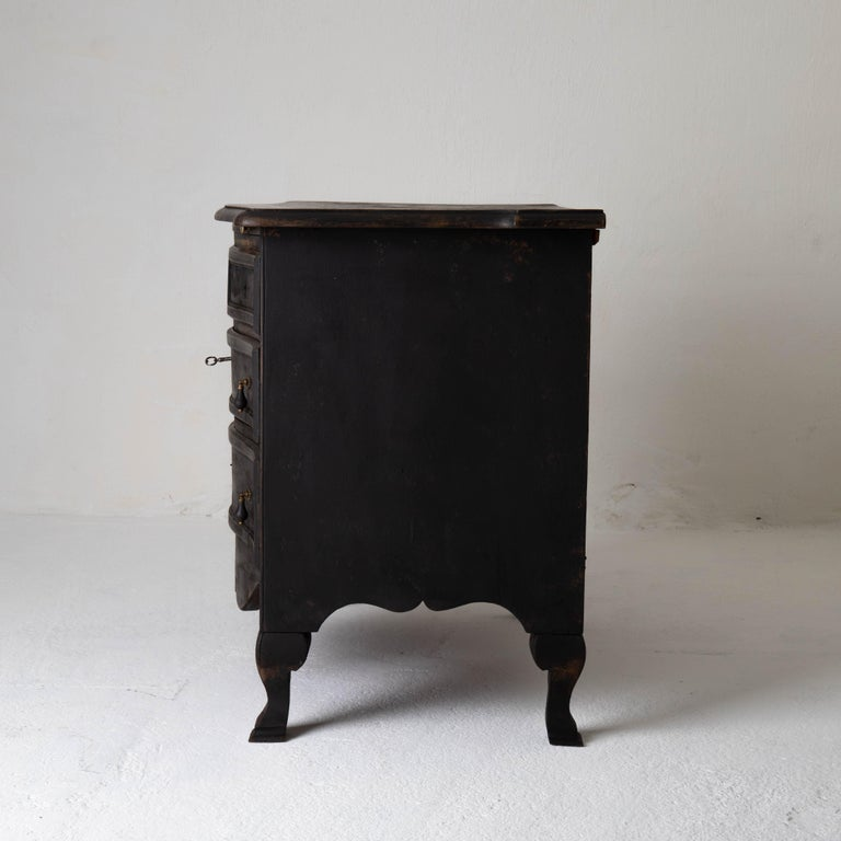 Chest of Drawers Swedish Black 18th Century Sweden For Sale 3