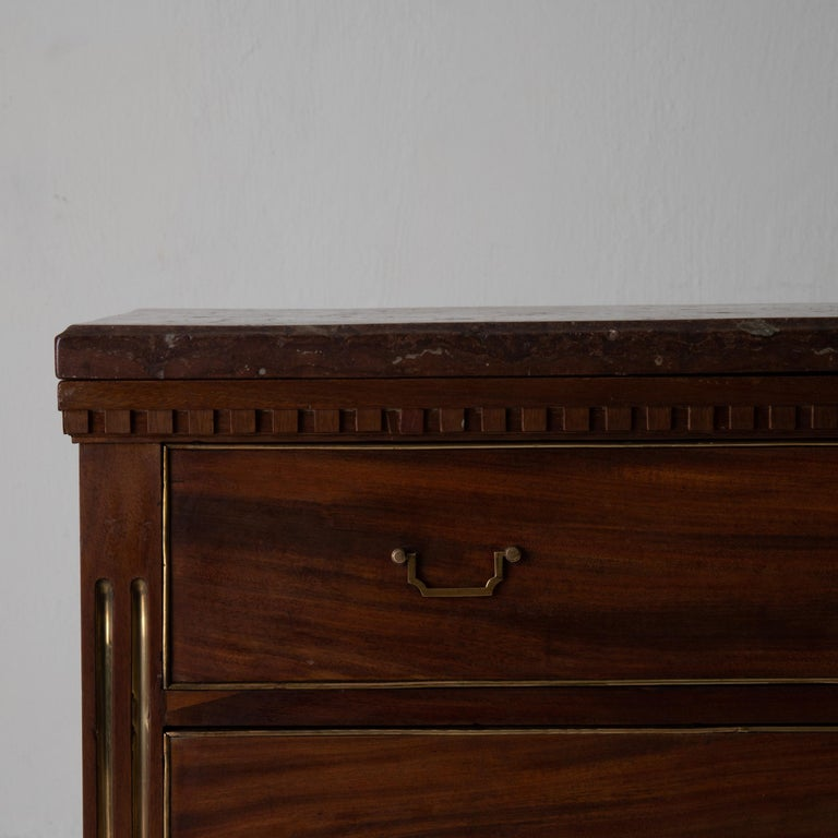 Chest of Drawers Swedish Mahogany Brass Gustavian Sweden In Good Condition For Sale In New York, NY
