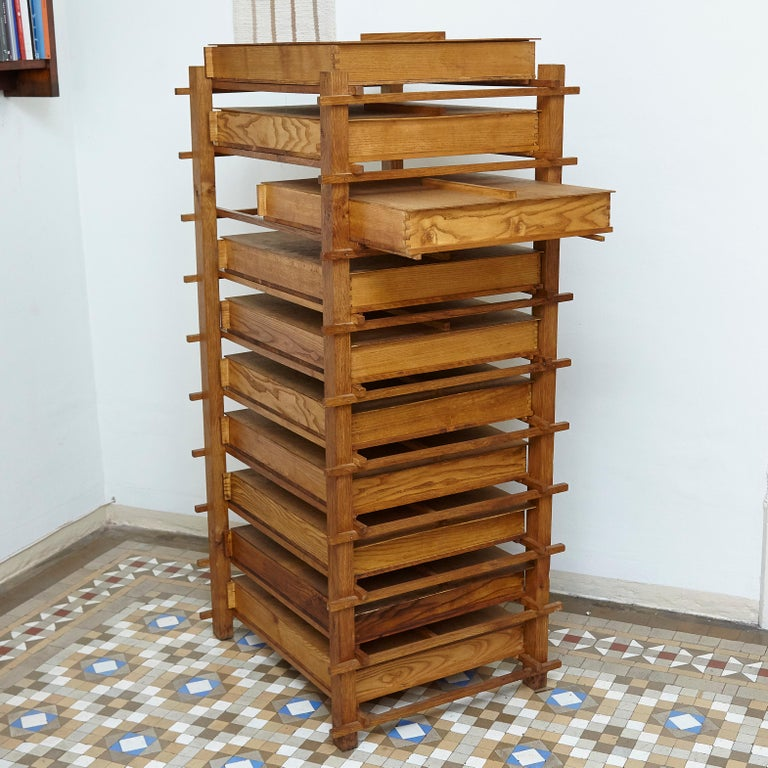 Chest with 10 drawers 