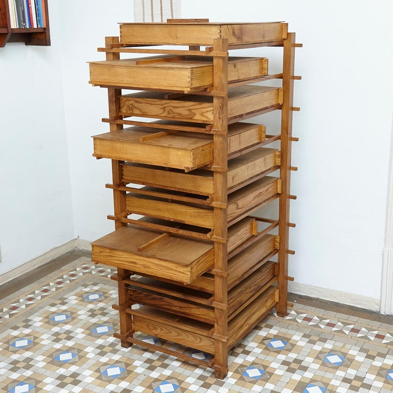 Chest of Mid-Century Modern Wood Drawers after Gerrit Rietveld, circa 1970 In Good Condition For Sale In Barcelona, Barcelona
